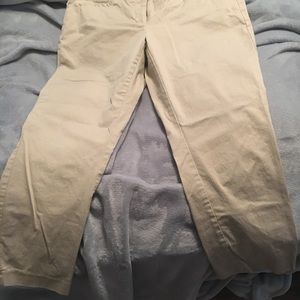 new york and company Kahki Capris Preowned